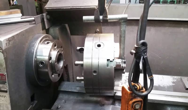 How to Remove Lathe Chuck from Lathe